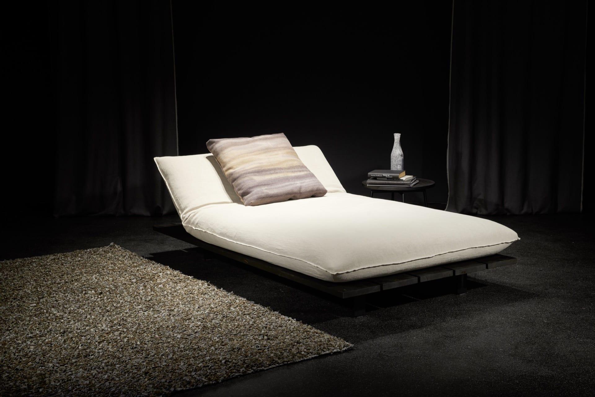 couchzone - Interior Design Innsbruck - bullfrog akito