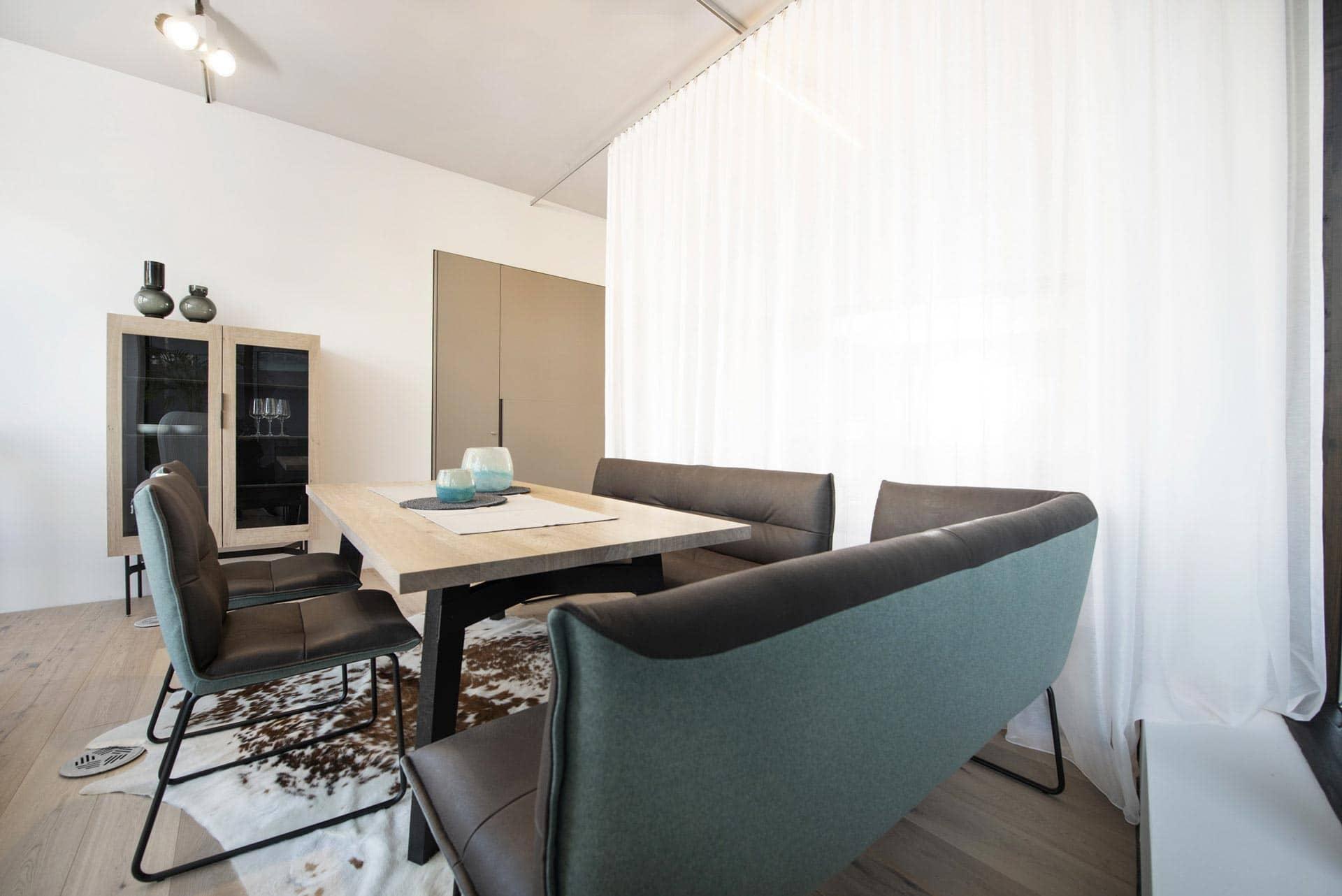 couchzone - Interior Design Innsbruck - Esstisch